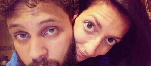 Chiara e Pier, coppia poliamorosa, hanno più relazioni e non lo nascondono