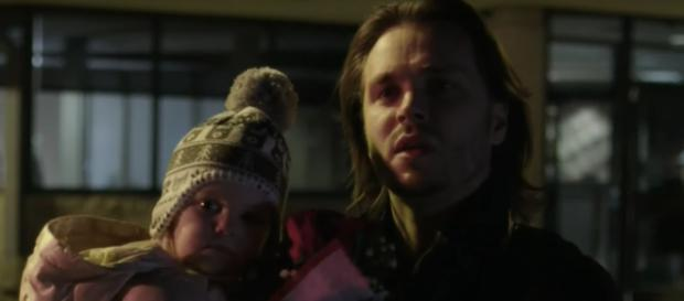 Avery and Cadence wait for Juliette to get off the plane on 'Nashville' (TV Promos/YouTube Screencap)