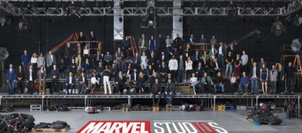 Epic photo of Marvel cast and creators. - [EW / YouTube screencap]