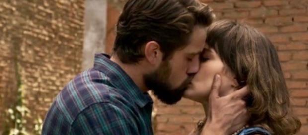 ''O Outro Lado do Paraíso'': Renato pede Clara em casamento