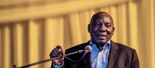 Zuma estaba bajo intensa presión de su propio partido ANC, que le dijo que renuncie o se enfrentara a un voto de desconfianza en el parlamento