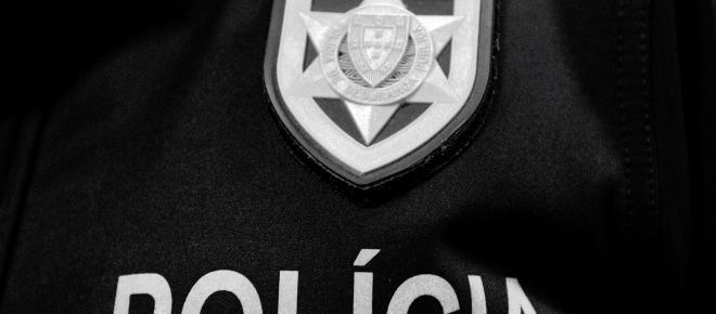 Profissionalismo, empenho e eficiência dos polícias é que deviam dar louvores