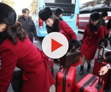 Le cheerleader nordcoreane, l'arrivo al palasport prima delle gare del torneo olimpico di hockey su ghiaccio