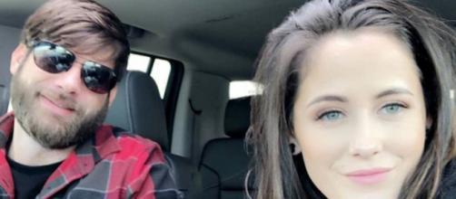 A photo of Jenelle Evans shooting a gun enrages 'Teen Mom 2' fans. [Image via David Eason/Instagram]