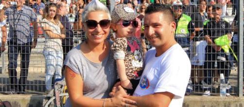 Bea, la mamma e il papà alla Partita del Cuore