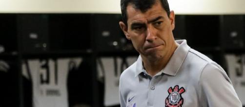 Carille no vestiário da Arena Corinthians