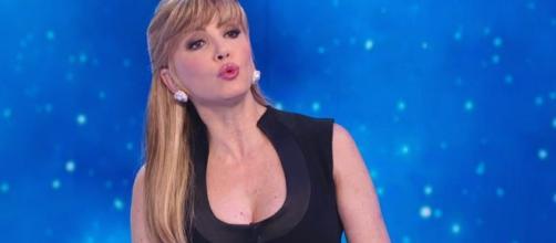 Lutto choc per Milly Carlucci in tv