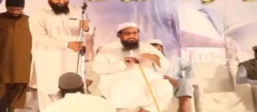 Sayeed Hafiz accuses Pakistan to bowing to Indian and US pressure. (Image Credit: PakiTv/Youtube screencap)