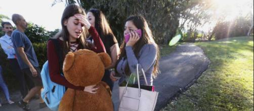Studentesse terrorizzate davanti al Liceo dopo l'agguato
