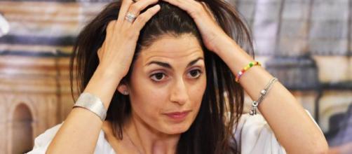 Virginia Raggi attaccata dal ministro dello Sviluppo Carlo Calenda