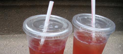 White Zinfandel in plastic cups (Image credit – Kyriaki, Wikimedia Commons)