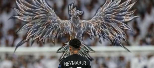 Foto do craque Neymar com uma Phoenix.