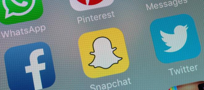Snapchat: outraged users call on app to reverse latest update