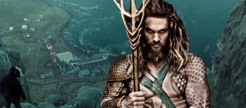 Aquaman es un personaje ficticio y un superhéroe que protagoniza muchos títulos de cómics estadounidenses.