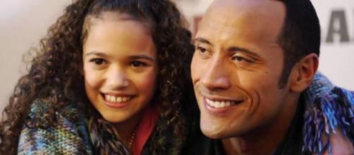Dwayne Johnson com a filha Simone