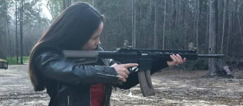 Jenelle Evans enjoyed target practice on Valentine's Day. [Image via David Eason/Instagram]
