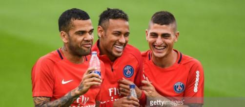 Neymar et Dani Alves prêts à gagner ce 6 mars !