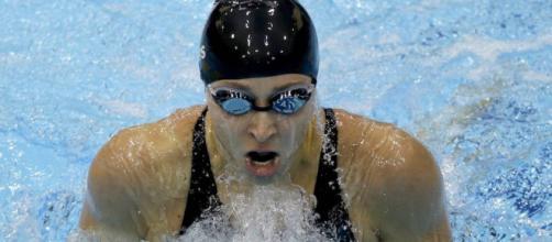 Otro escándalo en EU: Ex nadadora denuncia abuso sexual de su ... - com.mx