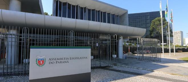 Projeto de lei quer impedir que secretários recebam por reuniões em estatais