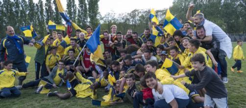 Foto Giampy. Nell'immagine i festeggiamenti dell'U.C. Viadana Calcio