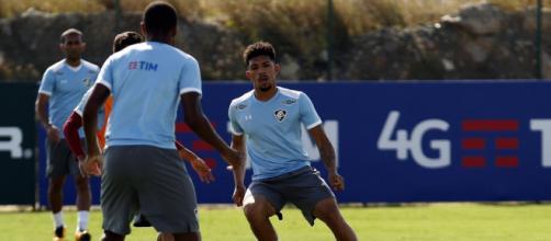 Recuperado de dores articulares, Douglas tem chance de voltar na quarta (Foto: Site Oficial do Fluminense F.C.)