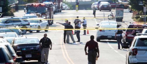 Tiroteo en escuela de Washington deja un muerto y varios heridos