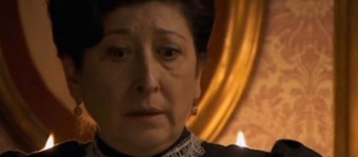 Una Vita, anticipazioni: Ursula scopre il segreto di Sara e Cayetana