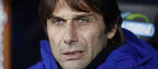 Antonio Conte se enfrenta al Barcelona