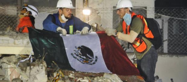 Entre los escombros: Hasta 6 días sobrevivieron atrapados tras el ... - com.mx