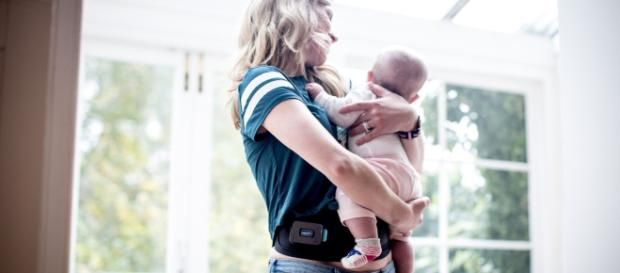 Why can we not learn to embrace and accept the postpartum body? - image slendertone.com