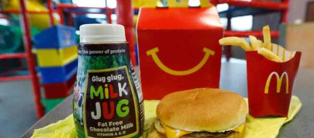 Quita McDonald's productos de su Happy Meal | Economia - diario.mx