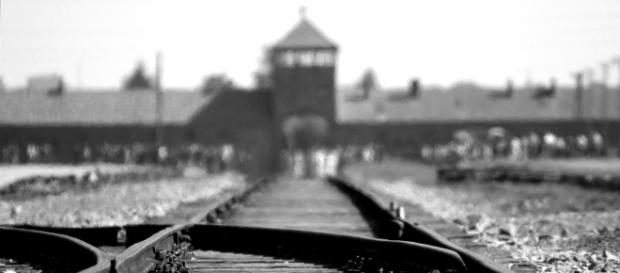 Spór wokół ustawy o IPN i posądzanie Polaków o Holokaust to bardzo poważne problemy, w które wmieszana jest także matematyka (fot. pixabay.com)
