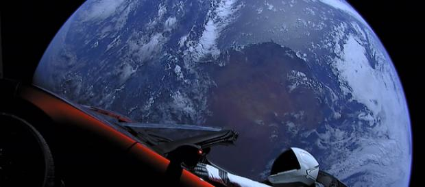 SpaceX Falcon Heavy Rockets - What I Saw On The Internet Today -Image credit - Daily Internet Moments | YouTube
