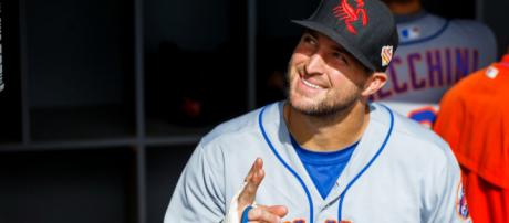 Will Tebow crack the Mets roster? [Image via USA Today Sports/YouTube]