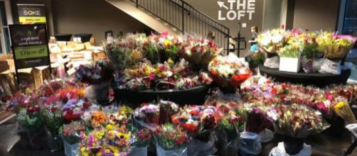 Destiny Church International delivers flowers to locals [Source: @dci.church on Facebook/Screenshot]