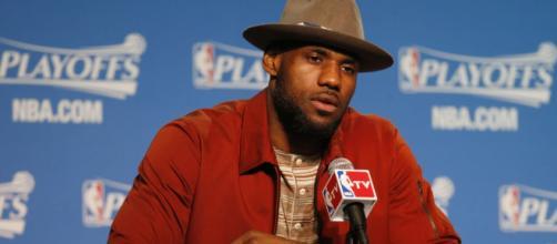 LeBron James... y su sombrero - foto 2 - MARCA.com - marca.com
