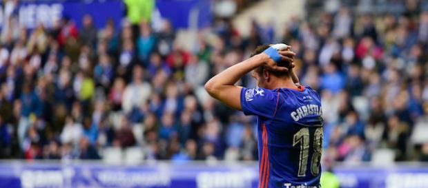 Christian se lamenta de una acción durante el partido con el Albacete. Foto: El Desmarque