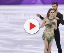 Roupa de patinadora francesa acaba falhando e seio fica à mostra