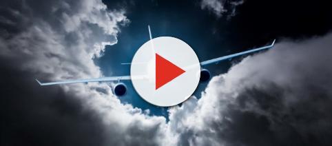 Flatulenza in volo: atterraggio d'emergenza per un aereo ecco perchè