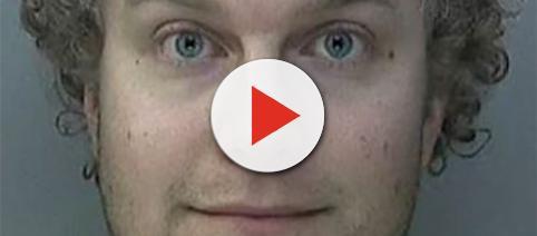 Matthew Falder, condannato in Inghilterra a 32 anni per pedofilia