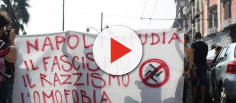 Napoli: centri sociali contro Casapound, scontri con la polizia