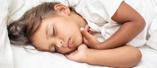 ¿Cómo ayudar a un niño a dormir? - aleteia.org
