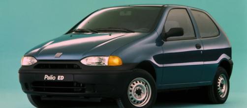Criado em 1996, foi o primeiro carro mundial da marca a ser lançado no Brasil