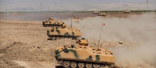 El viceprimer ministro, Bekir Bozdag, dijo que las operaciones de Turquía estaban avanzando según lo planeado