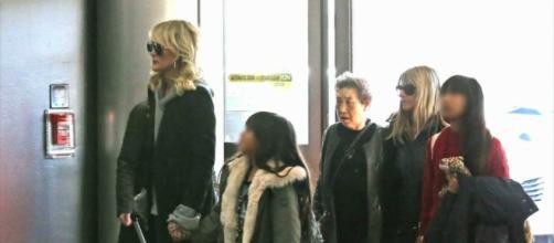 Laeticia Hallyday a retrouvé son amie Hélène Darroze à New York - bfmtv.com