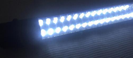 Lámpara de leds con 40 nuevos focos de fosforo