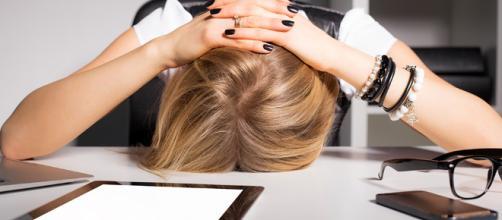 Lo que tu adicción al celular puede afectar a tu salud - cosmoenespanol.com