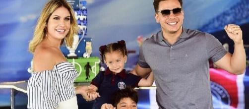 Wesley Safadão e Thyane juntamente com seus filhos