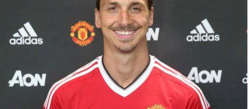 Zlatan Ibrahimovic ya se puso la camiseta del Manchester United ... - diez.hn