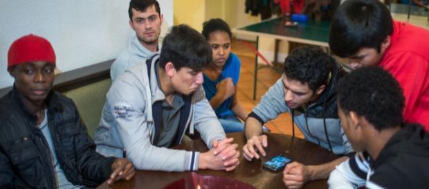 Allein in der Fremde : Was erwartet junge Flüchtlinge? | punkt ... - br.de